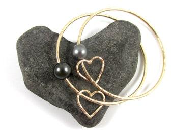 Tahitian Pearl Bangle, Gold Hammered Heart Bracelet, Genuine Black Pearls, Love, Anniversary Jewelry, Elegant Christmas Gift, Handmade Maui