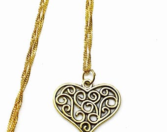 Gold-plated heart-shaped victorian style pendant - gold plated necklace