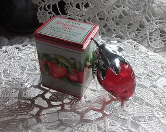 Avon Red Glass Strawberry Fair Perfume Bottle, Collectible Avon, Strawberry Shaped Perfume Bottle, Vintage Avon Collectible, Original Box