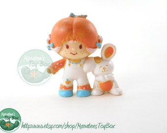 Vintage Strawberry Shortcake Mini Apricot and Hopsalot 1980s Toy