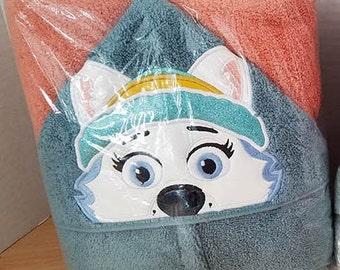 Snowplow Pup (Everest) from Paw Patrol Hooded Towel!
