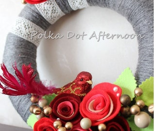 "Red Bird Romantic Yarn Wreath 10"""
