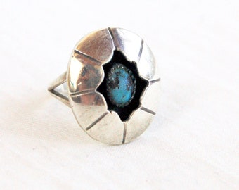 Turquoise Ring Shadow Box Size 5 .5 Vintage Sterling Silver Concho Southwestern Jewelry