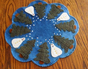 """A Primitive """"Snowy Gathering"""" Penny Wool Candle Mat"""