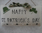 Primitive Hand Painted St Patrick's Day Irish Wallhanging Pillow Tuck Shamrock Hat