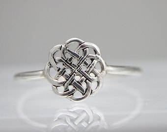 Sterling Silver Round Celtic Knot Ring, Nicely Sized for finger, women, Irish, Celtic, Statement