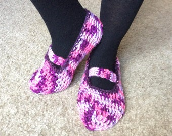 Handmade crochet mary jane slippers purple and pink, zapato tejido rosa y morado, woman house shoes