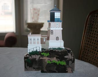 "Vintage Sheila Lighthouse "" Split Rock Light "" Two Harbors, Minnesota 1996 Made in Charleston, South Carolina USA"