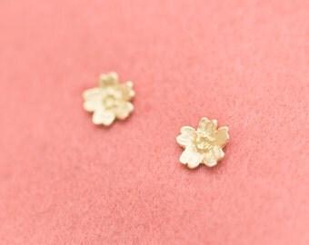 18k earrings - Sakura earrings - Cherry Blossom - Japanese earrings - Japanese flowers - hypoallergenic - free shipping - 18k studs - Sakura
