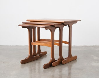 Set of 3 Mid Century Nesting Side / End Tables