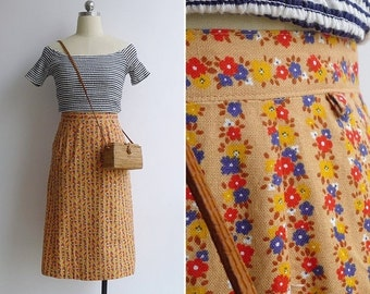15% V-DAY WEEK Sale - Vintage 70's Kitschy Striped Florals Yellow Cotton Skirt Xxs or Xs
