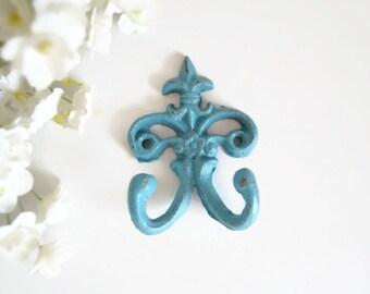 READY to SHIP - Fleur de lis Cast iron Hook - Towel Hook - Ornate Key Hook