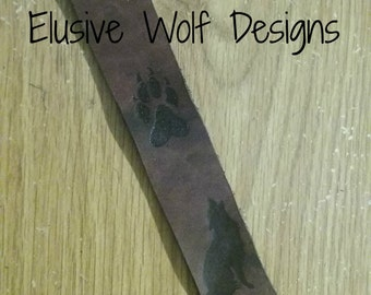Howling Wolf Key Chain - Wolf Paw Print Key Chain - Cool Wolf Toggle Key Chain - Leather Key Chains - Elusive Wolf