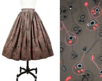 1950s Skirt // Serenade Novelty Print Mandolin Guitar on Brown Full Skirt