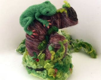 Needle felted green tree frog art doll rainforest animal posable soft sculpture unique fathers day gift