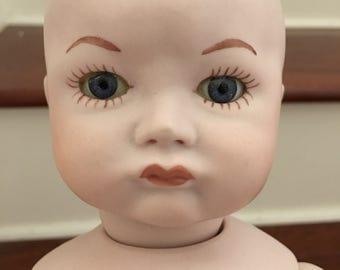 Creepy vintage porcelain doll SFBJ 252 Paris