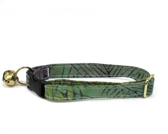 Tropical Fronds adjustable breakaway cat collar (Bali-Batik fabric)