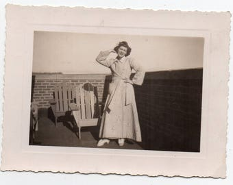 Woman In Bathrobe Vintage Photo Amateur Pin Up Mid Century Modern Photograph Sleepwear Housecoat Fashion Paper Ephemera