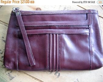 SALE Vintage Purse / Oxblood Clutch purse / 70s Retro vintage leather oxblood burgundy wine clutch purse