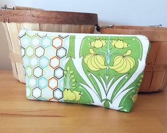 Spring Green Travel Wash Bag, cosmetic purse, travel storage bag, green