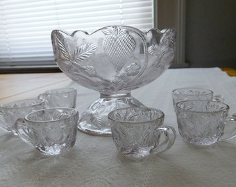 1908 EAPG Inverted Strawberry Pressed Glass 7 Piece Child Doll Glass Punch Bowl Set By Cambridge Glass Company Pale Sun Purple