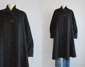 Vintage 1940s Swing Coat / 40s Black Charcoal Heather Wool Trapeze Coat with Balloon Sleeves