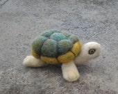 Needle felted turtle made for Kendralyngail