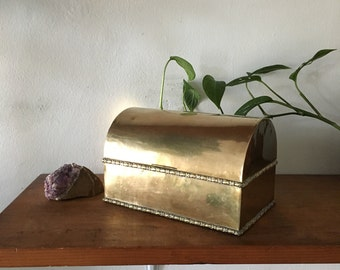 glam boho brass  hollywood regency jewelry box. boho brass trinket box. mid century treasure chest box