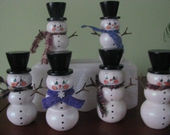 Snowmen, shelf sitter, winter, teacher's gift, hostess gift, handpainted, top hat, scarves, glitter, wood