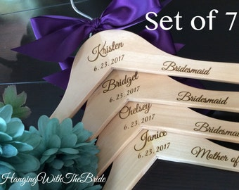 Bridal hanger, Wedding dress hanger,Custom Bridal Hangers,Bridesmaids gift, Wedding hangers with names,Custom made hangers