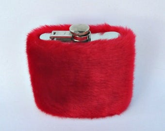 Hip Flask, Red Flask, Liquor Flask, Furry Flask for Women, 21st Birthday Gift for Her, Flasque Fourrure Bridal Shower Gift INCLUDING FLASK