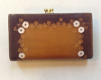 Baronet Womens Wallet Billfold Coin Kisslock Embossed Leather Floral Design