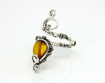 Amber silver ring 'Omega' - Natural Amber - Sterling silver ring - gemstone ring - Amber ring - crystal ring -healing crystal -gemstone ring