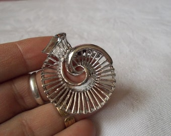 Stunning Vintage Pin-Brooch-MARKED Silvertoned Designed-P3143