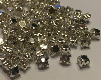 50 clear Rhinestone sew on gems, 4 mm (K12)