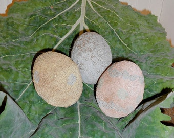 Primitive Easter Eggs-Set of 3-Primitive Eggs-Primitive Easter Decoration--tbu 1118