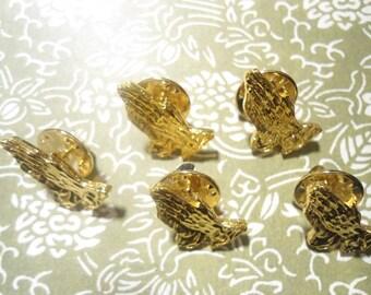5 Goldplated Praying Hands Pins