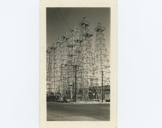 Oil Wells on Corner Lot: Vintage Snapshot Photo, c1930s-40s [71540]