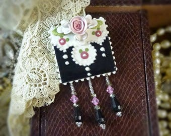 Brooch Romance in Pink and Black Pin
