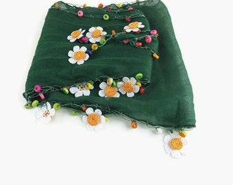 Dark Green Scarflette ,  Womens foulard , Cotton Nec scarf, Cowl with crochet daisy oya flowers and wooden beads , Necklace scarf
