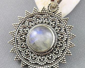 Rainbow Moonstone Pendant, 925 sterling silver pendant, Silver Pendant, Pendant for Necklace, Rainobow Moonstone, Artisan Pendant, (SP-7007)