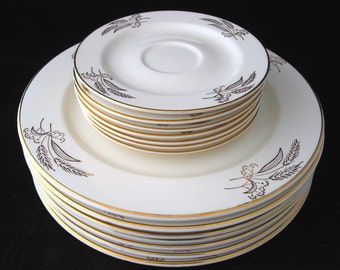 Lifetime China Prairie Gold Dinner Plate and Saucer Set by Homer Laughlin Vintage 1950s Set of 7 Dinner Plates and 7 Saucers