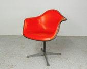 mid century modern Herman Miller Charles Eames upholstered fiberglass swivel office task chair