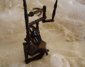 Vintage Metal Spinning Wheel PENCIL SHARPENER
