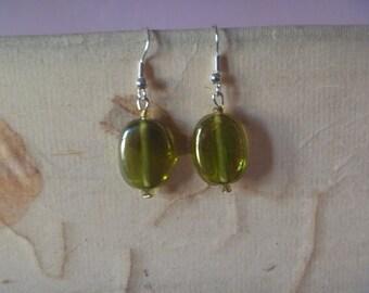 shiny green dangle earrings, ecofriendly earrings