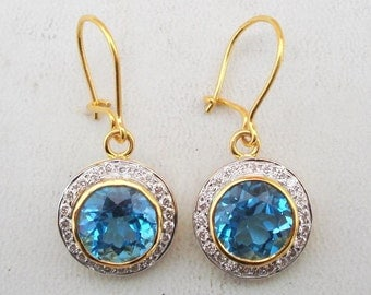 Fabulous 16 K Yellow Gold Diamond & Blue Topaz Earring