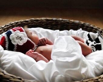 BABY HOCKEY GIRL Red Blue Hockey, Baby Hockey Hat & Skates, Hockey Baby Girl, Crochet Girls Hockey Hat, Baby Knit Hockey, Gender Surprise