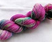 Handpainted Sock Yarn, 75 Wool  superwash, 25 Nylon 100g 3.5 oz.  Nr. 331