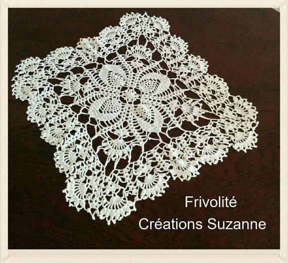 White square doily lace Frivolites