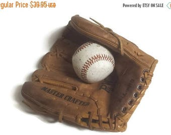 Baseball Glove, vintage Pee Wee model glove, All-Pro, Master Crafted, leather pee wee glove, man cave, boys room, 1950s sports glove